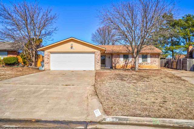 7903 NW Terrace Hills Blvd, Lawton, OK 73505 (MLS #157634) :: Pam & Barry's Team - RE/MAX Professionals