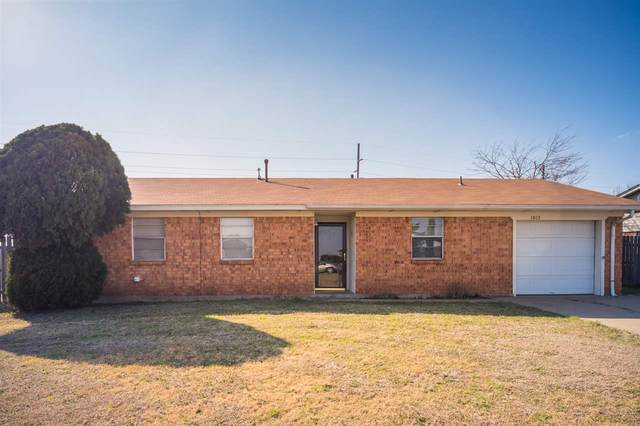 1013 SW 66th St, Lawton, OK 73505 (MLS #157704) :: Pam & Barry's Team - RE/MAX Professionals