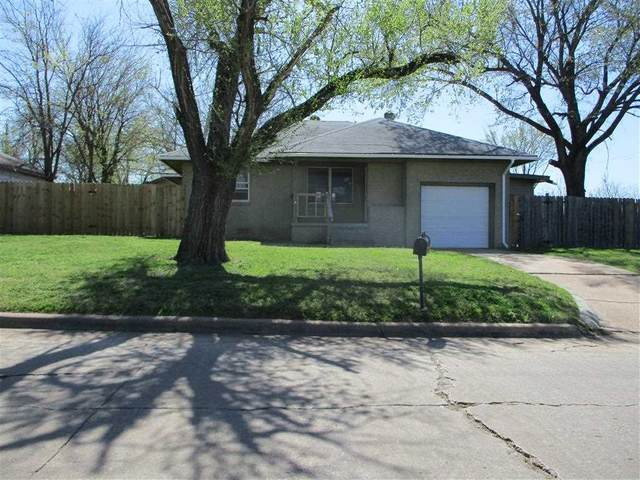 2154 NW Smith Ave, Lawton, OK 73505 (MLS #157881) :: Pam & Barry's Team - RE/MAX Professionals