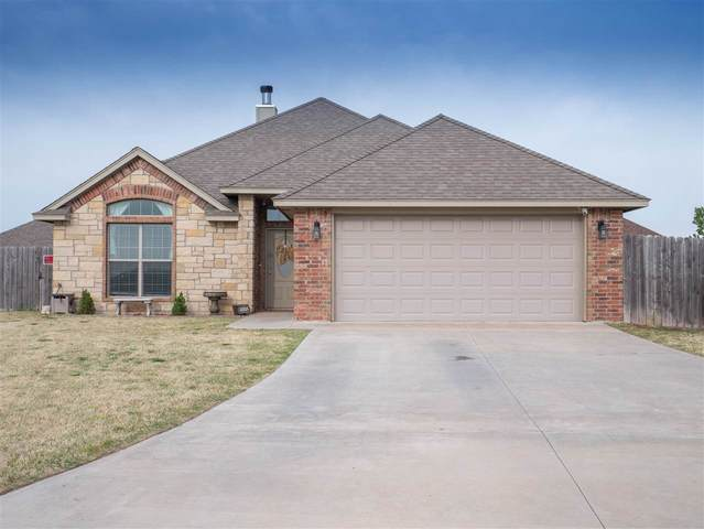 304 NE Mountain Meadow Dr, Cache, OK 73527 (MLS #157990) :: Pam & Barry's Team - RE/MAX Professionals