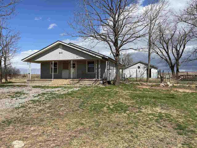 612 NW Meers Porter Hill Rd, Elgin, OK 73538 (MLS #158131) :: Pam & Barry's Team - RE/MAX Professionals
