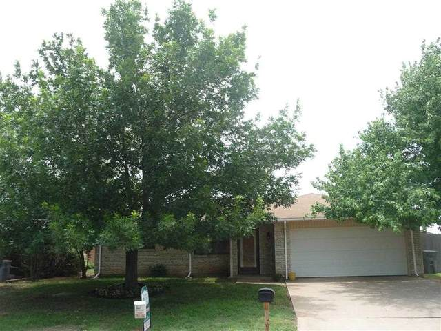 6304 SW Brookline Ave, Lawton, OK 73505 (MLS #158665) :: Pam & Barry's Team - RE/MAX Professionals