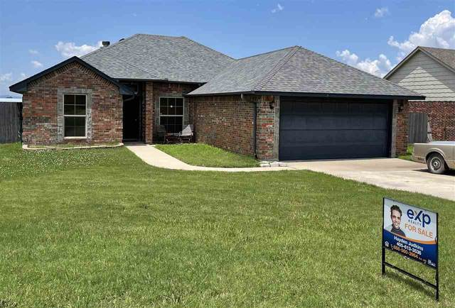 305 Marilyn Glover Dr, Elgin, OK 73538 (MLS #158836) :: Pam & Barry's Team - RE/MAX Professionals