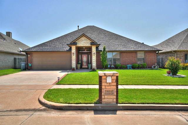 1804 SW Driftwood Dr, Lawton, OK 73505 (MLS #158858) :: Pam & Barry's Team - RE/MAX Professionals