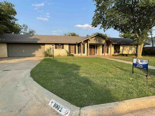 1002 Wall St, Frederick, OK 73542 (MLS #158931) :: Pam & Barry's Team - RE/MAX Professionals