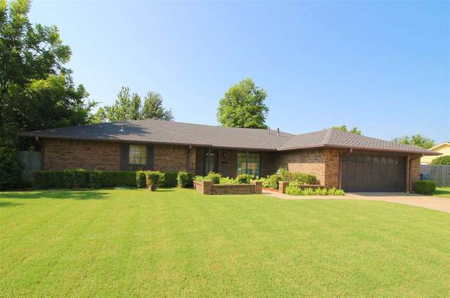 7136 NW Birch Pl, Lawton, OK 73505 (MLS #158996) :: Pam & Barry's Team - RE/MAX Professionals