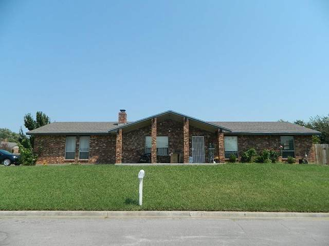 5002 SE Aberdeen Ave, Lawton, OK 73501 (MLS #159409) :: Pam & Barry's Team - RE/MAX Professionals