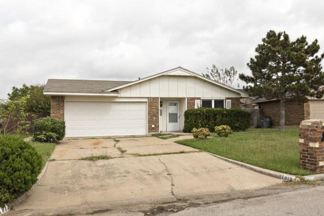 7019 NW Kingsbury Ave, Lawton, OK 73505 (MLS #148950) :: Pam & Barry's Team - RE/MAX Professionals