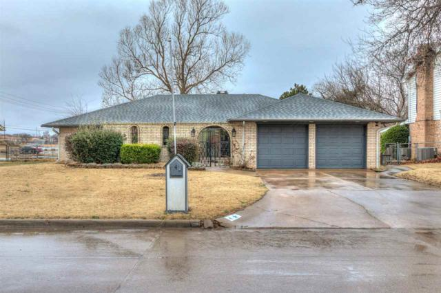4 NW Compass Dr, Lawton, OK 73505 (MLS #149920) :: Pam & Barry's Team - RE/MAX Professionals