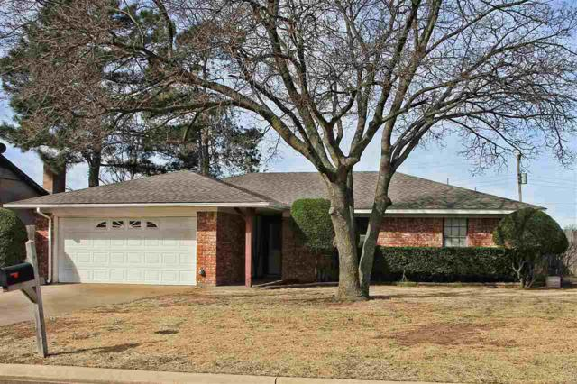 1413 Melissa St, Frederick, OK 73542 (MLS #150049) :: Pam & Barry's Team - RE/MAX Professionals