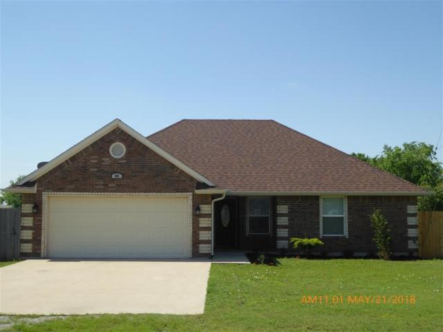 504 NW Elm, Cache, OK 73527 (MLS #150670) :: Pam & Barry's Team - RE/MAX Professionals