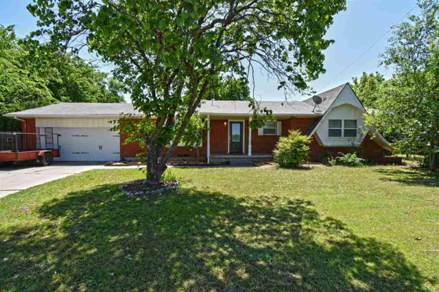 2701 NW Hilltop Dr, Lawton, OK 73507 (MLS #150692) :: Pam & Barry's Team - RE/MAX Professionals