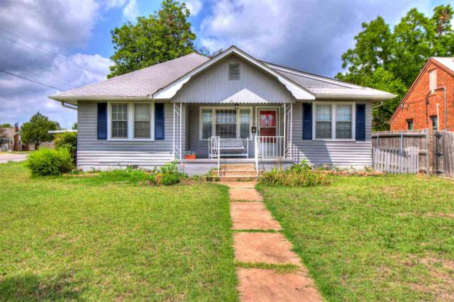 702 NW Laird Ave, Lawton, OK 73507 (MLS #151325) :: Pam & Barry's Team - RE/MAX Professionals