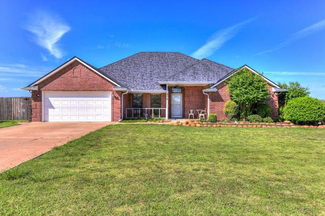 276 Lake Crest Dr, Lawton, OK 73505 (MLS #151402) :: Pam & Barry's Team - RE/MAX Professionals