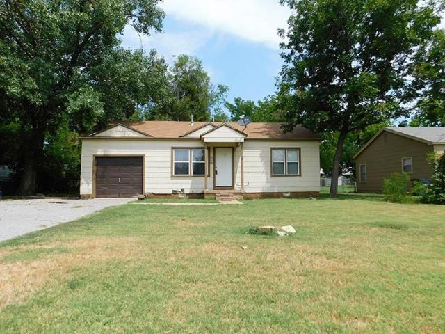1911 NW Irwin Ave, Lawton, OK 73507 (MLS #151448) :: Pam & Barry's Team - RE/MAX Professionals