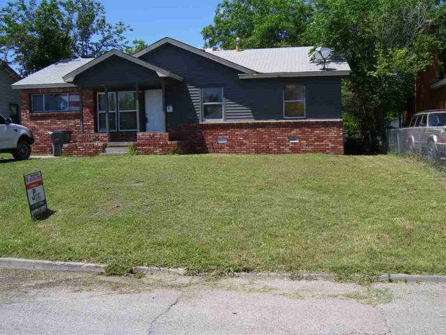 1415 NW Lindy Ave, Lawton, OK 73507 (MLS #153479) :: Pam & Barry's Team - RE/MAX Professionals