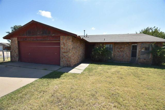 2619 NW Locksley Ln, Lawton, OK 73505 (MLS #153920) :: Pam & Barry's Team - RE/MAX Professionals