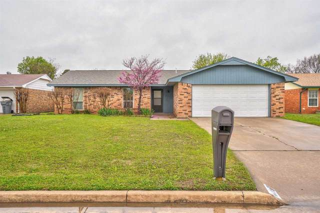 310 NE 26th St, Lawton, OK 73507 (MLS #155561) :: Pam & Barry's Team - RE/MAX Professionals