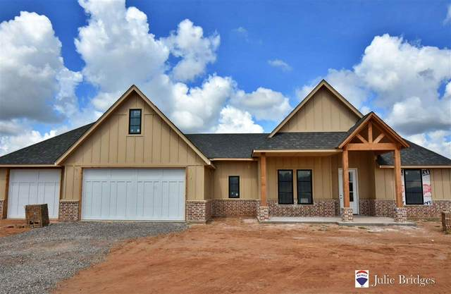 1015 NE Greenview Dr, Elgin, OK 73538 (MLS #156292) :: Pam & Barry's Team - RE/MAX Professionals