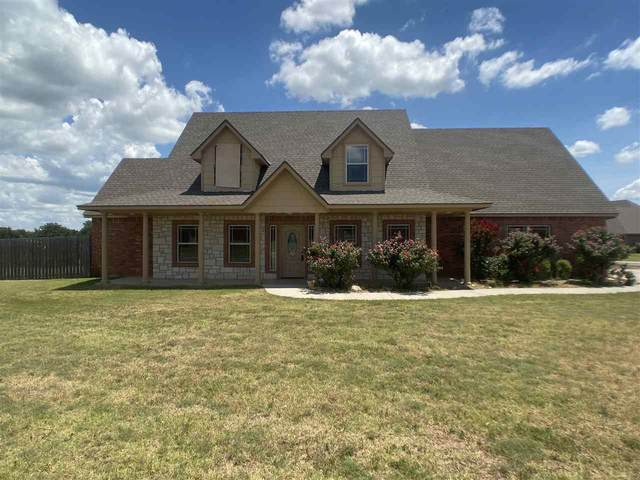 602 NE Catalina Pl, Elgin, OK 73538 (MLS #156316) :: Pam & Barry's Team - RE/MAX Professionals