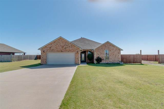 8793 SW Sun Valley Dr, Lawton, OK 73505 (MLS #156835) :: Pam & Barry's Team - RE/MAX Professionals