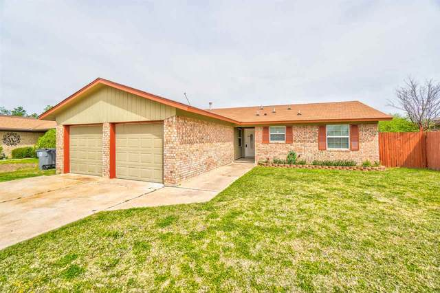 1429 NW Great Plains Blvd, Lawton, OK 73505 (MLS #157985) :: Pam & Barry's Team - RE/MAX Professionals