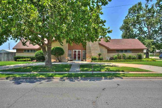 2902 NW Templeton Ter, Lawton, OK 73505 (MLS #158636) :: Pam & Barry's Team - RE/MAX Professionals