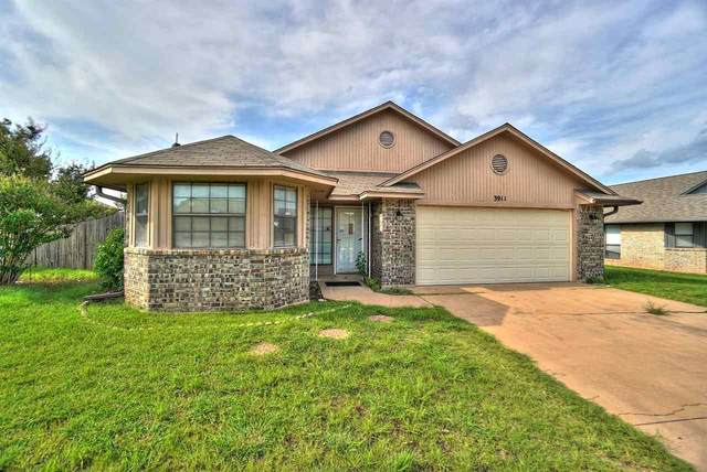3911 SW Wolf St, Lawton, OK 73505 (MLS #158777) :: Pam & Barry's Team - RE/MAX Professionals