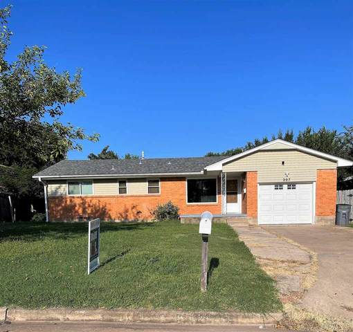 207 SW 45th St, Lawton, OK 73505 (MLS #159311) :: Pam & Barry's Team - RE/MAX Professionals