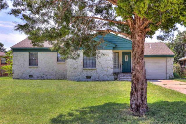 1608 NW 24th St, Lawton, OK 73505 (MLS #148357) :: Pam & Barry's Team - RE/MAX Professionals