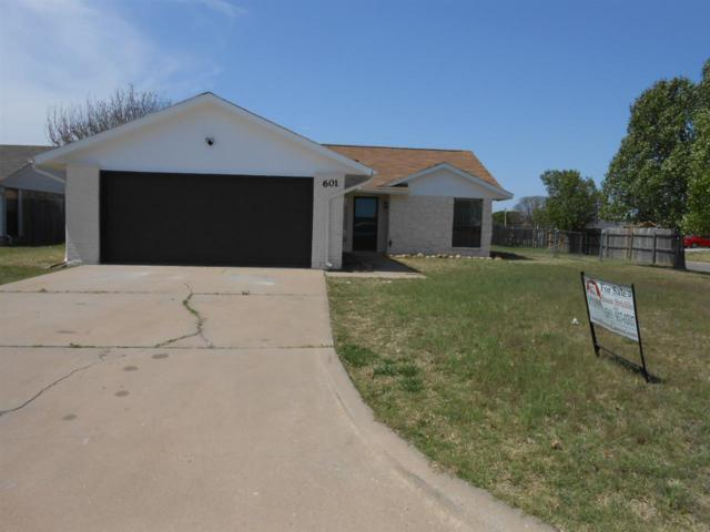 601 SW 63rd St, Lawton, OK 73505 (MLS #150247) :: Pam & Barry's Team - RE/MAX Professionals