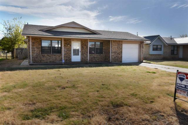 4620 NW Ozmun Ave, Lawton, OK 73505 (MLS #148708) :: Pam & Barry's Team - RE/MAX Professionals