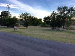 222 Main St, Geronimo, OK 73543 (MLS #148349) :: Pam & Barry's Team - RE/MAX Professionals