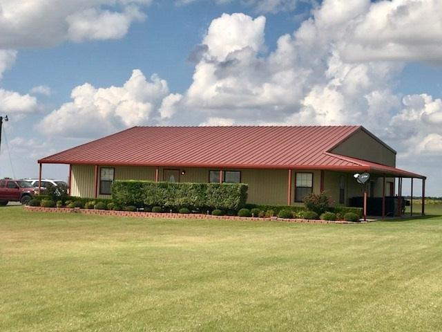 352 Harned Rd, Elgin, OK 73538 (MLS #148923) :: Pam & Barry's Team - RE/MAX Professionals
