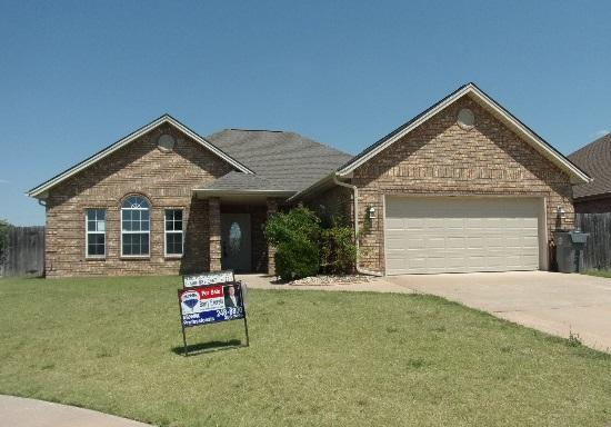 2009 NE 38th St, Lawton, OK 73507 (MLS #148997) :: Pam & Barry's Team - RE/MAX Professionals