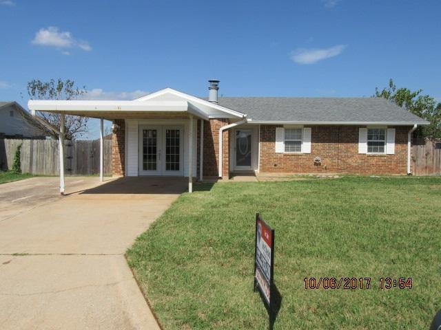 211 Cherokee St, Geronimo, OK 73543 (MLS #149020) :: Pam & Barry's Team - RE/MAX Professionals