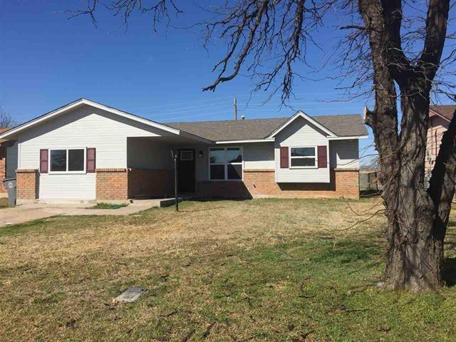 4625 NW Ozmun Ave, Lawton, OK 73505 (MLS #149460) :: Pam & Barry's Team - RE/MAX Professionals