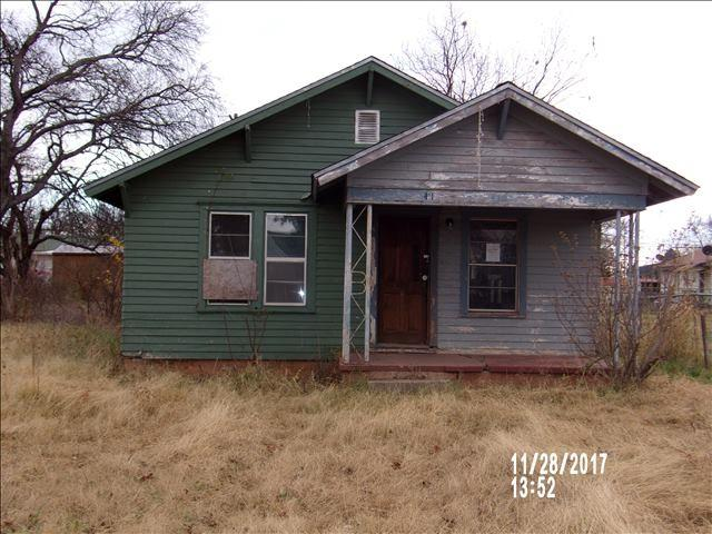 418 E Franklin, Apache, OK 73006 (MLS #149609) :: Pam & Barry's Team - RE/MAX Professionals