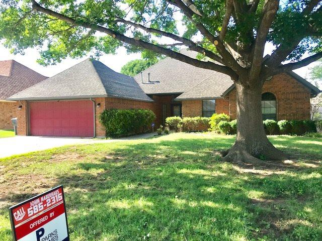 7705 NW Chesley Dr, Lawton, OK 73505 (MLS #151140) :: Pam & Barry's Team - RE/MAX Professionals