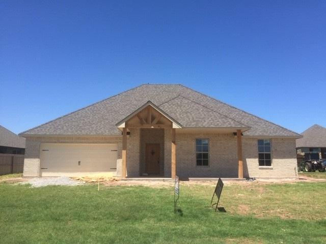 8005 NW Newgate Dr, Lawton, OK 73505 (MLS #153356) :: Pam & Barry's Team - RE/MAX Professionals