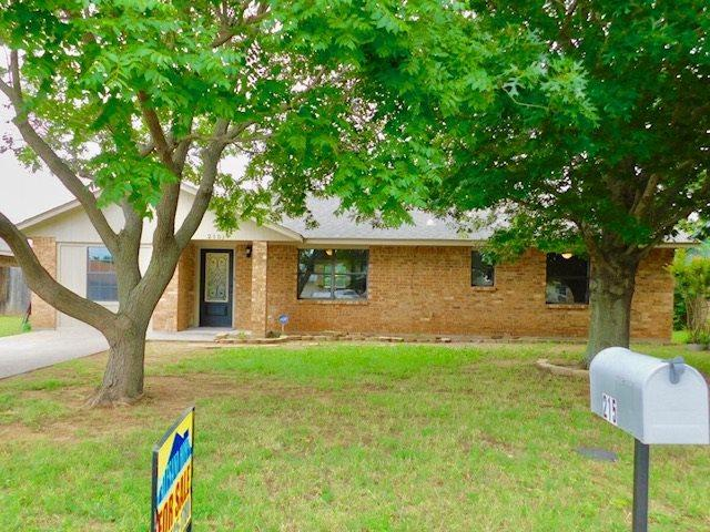 215 Antelope Dr, Cache, OK 73527 (MLS #153578) :: Pam & Barry's Team - RE/MAX Professionals