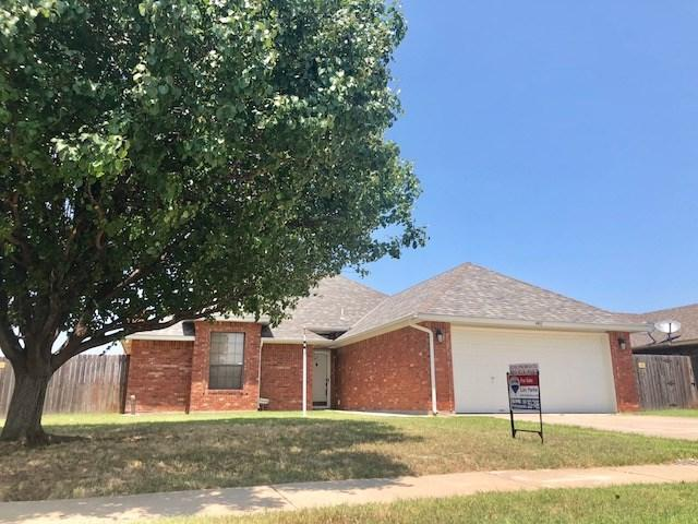 4411 SW Parkway Dr, Lawton, OK 73505 (MLS #153828) :: Pam & Barry's Team - RE/MAX Professionals