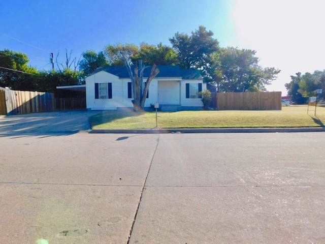 1501 NW 17th St, Lawton, OK 73507 (MLS #154447) :: Pam & Barry's Team - RE/MAX Professionals