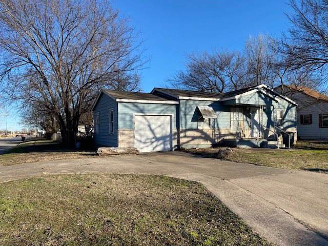 1202 SW 24th St, Lawton, OK 73505 (MLS #155166) :: Pam & Barry's Team - RE/MAX Professionals