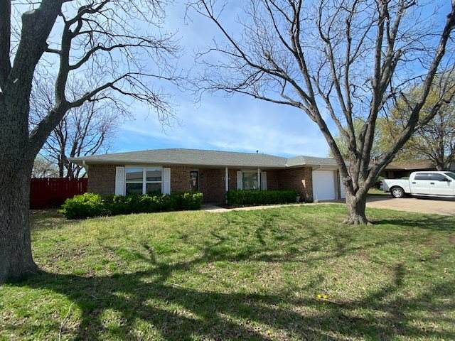 7704 SW Delta Ave, Lawton, OK 73505 (MLS #155563) :: Pam & Barry's Team - RE/MAX Professionals
