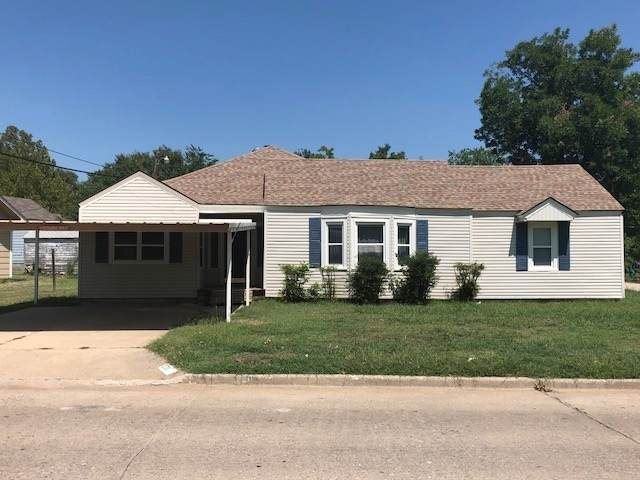 1211 NW Parkview Blvd, Lawton, OK 73507 (MLS #157602) :: Pam & Barry's Team - RE/MAX Professionals