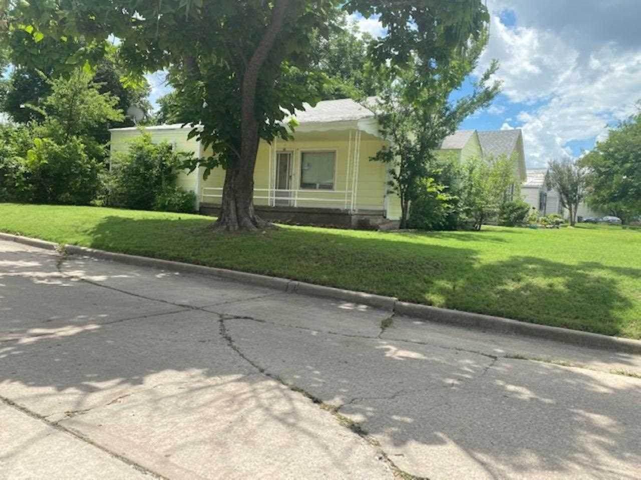 1602 Lake Ave - Photo 1