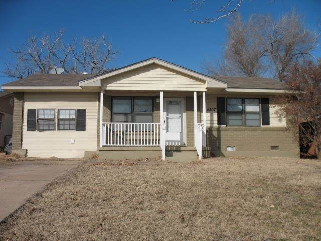 4307 NW Pollard Ave, Lawton, OK 73505 (MLS #159426) :: Pam & Barry's Team - RE/MAX Professionals