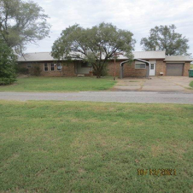 113 Wonder Dr, Walters, OK 73572 (MLS #159713) :: Pam & Barry's Team - RE/MAX Professionals