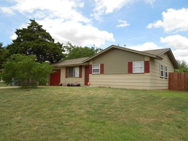 920 SW 35th St, Lawton, OK 73505 (MLS #147724) :: Pam & Barry's Team - RE/MAX Professionals